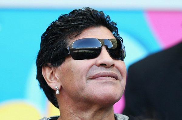 Tờ La Nacion còn đưa tin, chủ tịch LĐBĐ Argentina, Julio Grondona, khi vào phòng thay đồ chúc mừng các cầu thủ còn nói rắng: