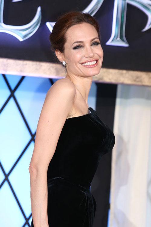 Angelina-Jolie17-7591-1403581736.jpg
