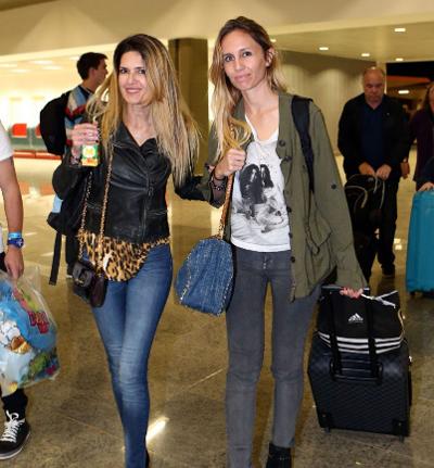 Gisela Dulko, vợ Gago cũng cùng các nàng WAGs khác trở về Argentina.