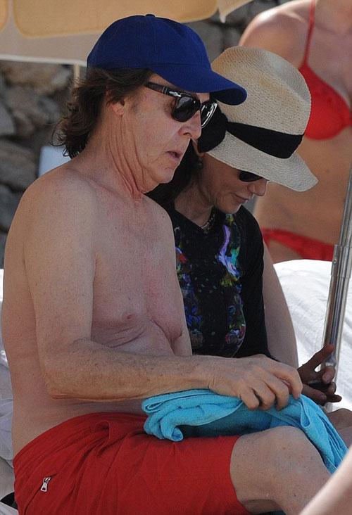 Paul-McCartney12-7332-1403682724.jpg