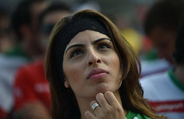 Đại diện còn lại của châu Á là Iran cũng đang ở tình thế bất lợi khi xếp thứ 3 chỉ với một điểm. Đêm nay Iran buộc phải thắng đậm Bosnia trong khi  Argentina vượt qua Nigeria mới có thể đi tiếp.