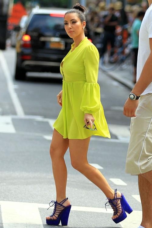 Kim-Kardashian-Acid-Yellow-Eli-6651-9101
