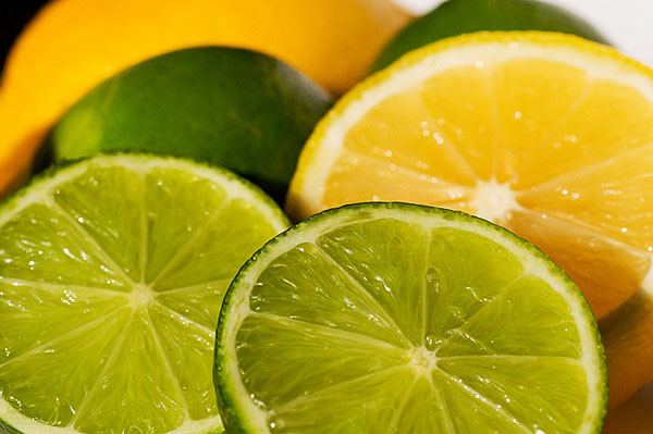Lemon-Lime-Slices-iStock-1925-1403755796