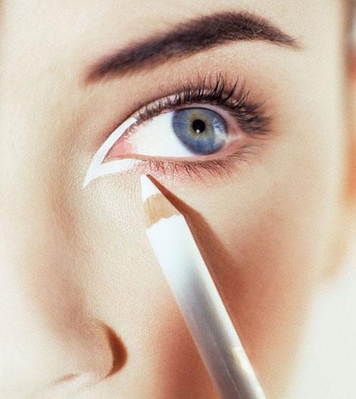 cos-14-white-eyeliner-de-1762-1403843565