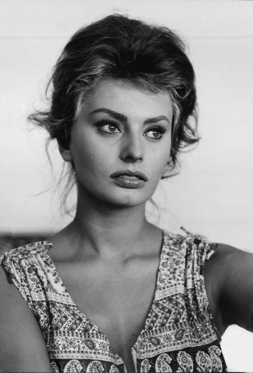 Sophia-Loren-young.jpg