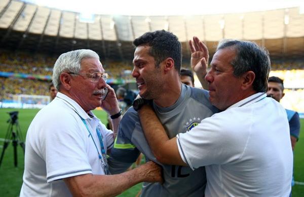 Người hùng của tuyển Brazil nghẹn ngào, khóc như mưa sau loạt đá luân lưu cân não.