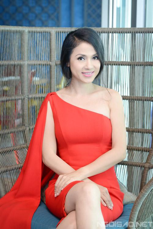 Bộ ảnh do stylist Thiên Thanh thực hiện, với sự hỗ trợ của chuyên gia trang điểm Dũng Phan. Trang phục của hai nhà thiết kế Tăng Thành Công và Thủy Designer House.