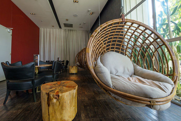 Tất cả hơn 400 phòng của khách sạn đều đã được đặt hết từ trước ngày khai mạc World Cup. Ngày thường, giá của một phòng đơn, nếu không phải mùa cao điểm cũng chỉ khoảng 120