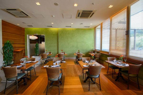One of the restaurants is Aquarela Burger Bar, which serves a 300g (10-oz) Mega Burger.