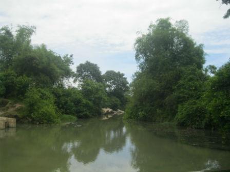 """Suối Khe Sanh, nơi được mệnh danh là suối """"tắm trắng"""" cho gái làng."""