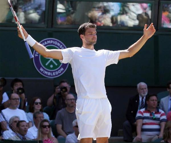 Dimitrov rất nỗ lực nhưng vẫn phải gác vợt trước đối thủ người Serbia sau 4 set đấu.