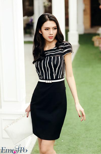 DS1337: Những đường kẻ sọc ở phần thân của chiếc váy khiến trang phục của bạn sống động hơn rất nhiều.