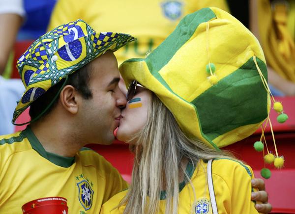 kiss6-9944-1404795904.jpg