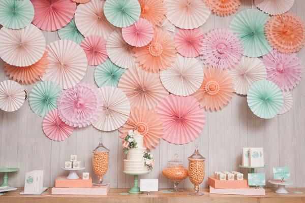paper-fan-backdrop-7087-1404788289.jpg