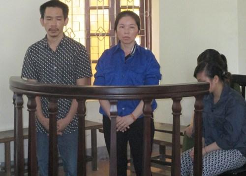 Ba bị cáo Trần Diễn Thương, Ngân Thị Thông, Lô Thị Phương Xa tại phiên tòa sơ thẩm.