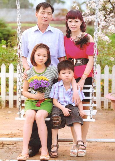 Gia đình phi công Thượng tá Hoàng Lại Long