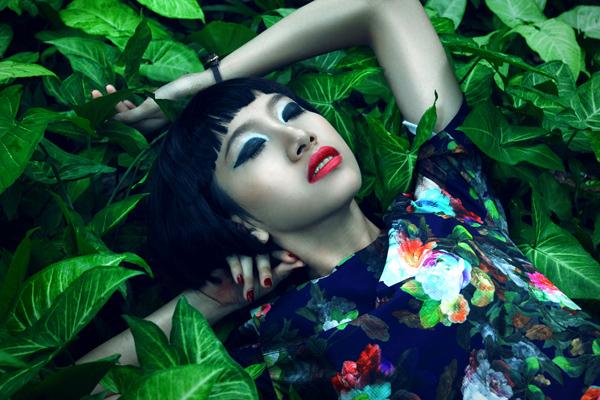 Bộ ảnh được thực hiện với sự hỗ trợ của Photo: Nicky Vu, Model: Phan Linh, Đăng Thiệu, Stylist: Jinhoon Sunny, Make-up & Hair: Bobby Nguyen.