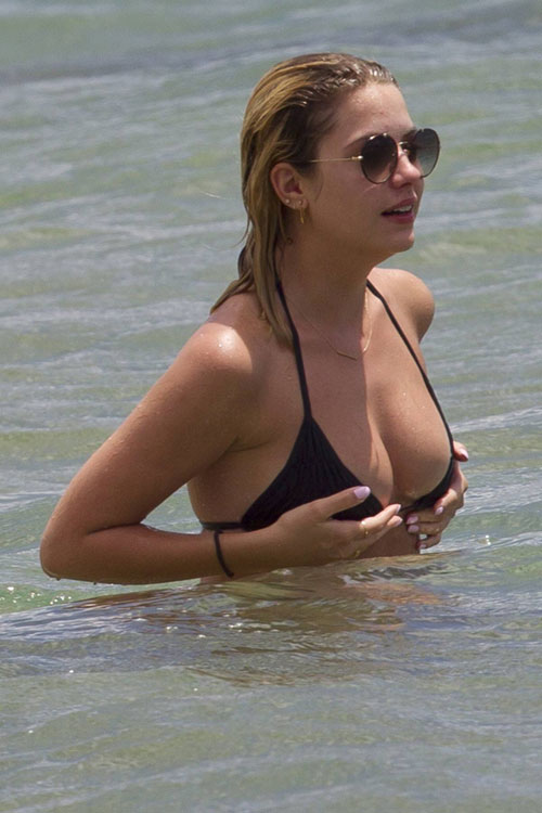 Ashley-Benson22-9622-1405046701.jpg