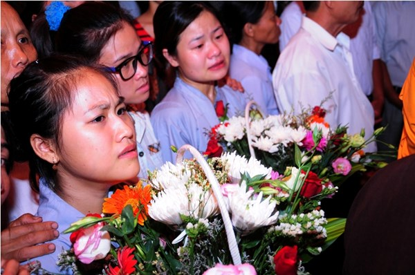 Em Nguyễn Thị Mai Phương (em gái Thiếu úy Bình) vẫn không tin anh mình đã hy sinh