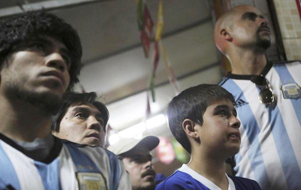 Trước trận chung kết, rất đông CĐV Argentina đã sang nước láng giềng Brazil để cổ vũ đội tuyển