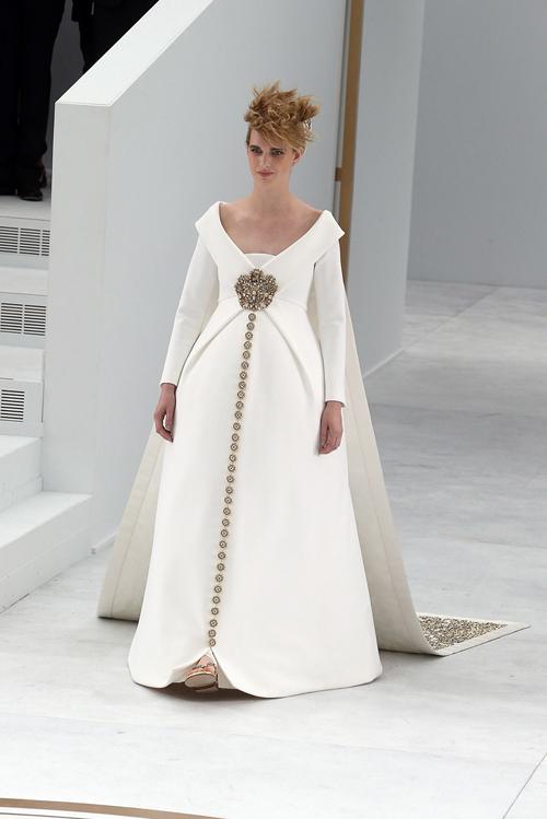 Váy cưới lộng lẫy ở tuần lễ thời trang 2014