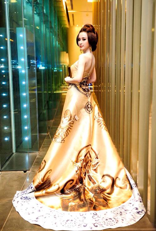 1-Angela-Phuong-Trinh-10-nam-bao-Ngoisao