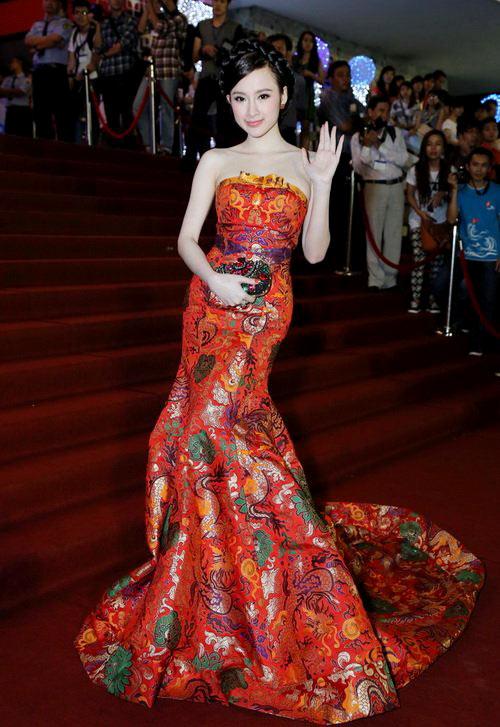 4-Angela-Phuong-Trinh-music-awards.jpg