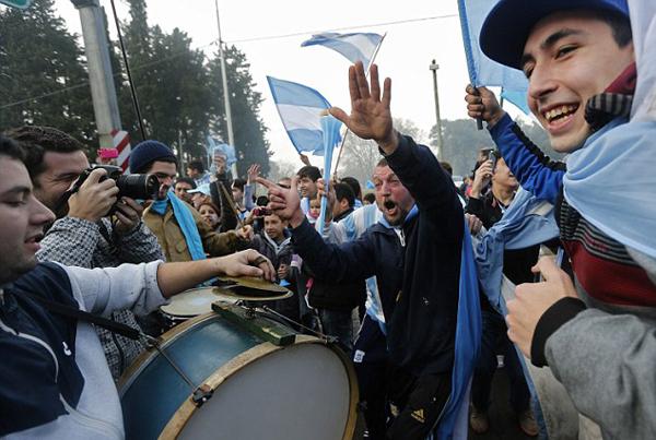 Người dân Argentina hồ hởi