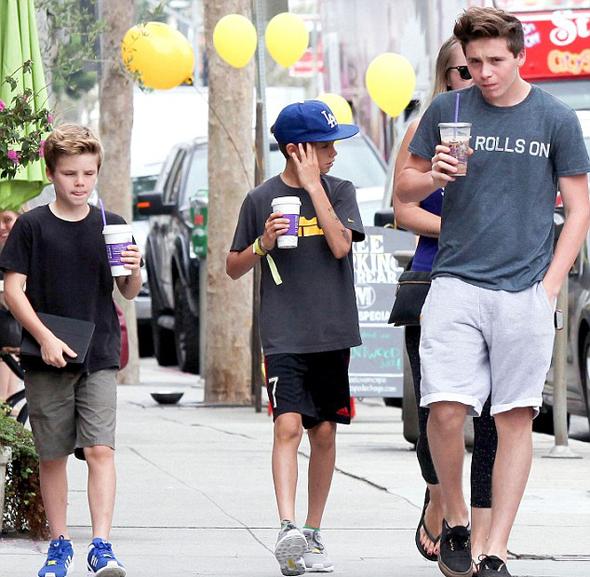 Ba nhóc Brooklyn, Romeo và Cruz