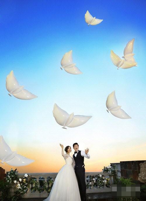 Cô dâu Kim Min Ji rất được lòng gia đình chồng tương lai.