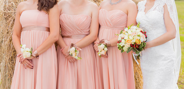 Give-bridesmaid-bouquets-miss-2486-14056