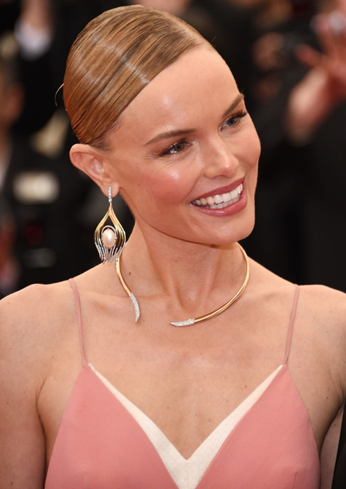 Kate-Bosworth-Chandelier-Earri-1581-9055