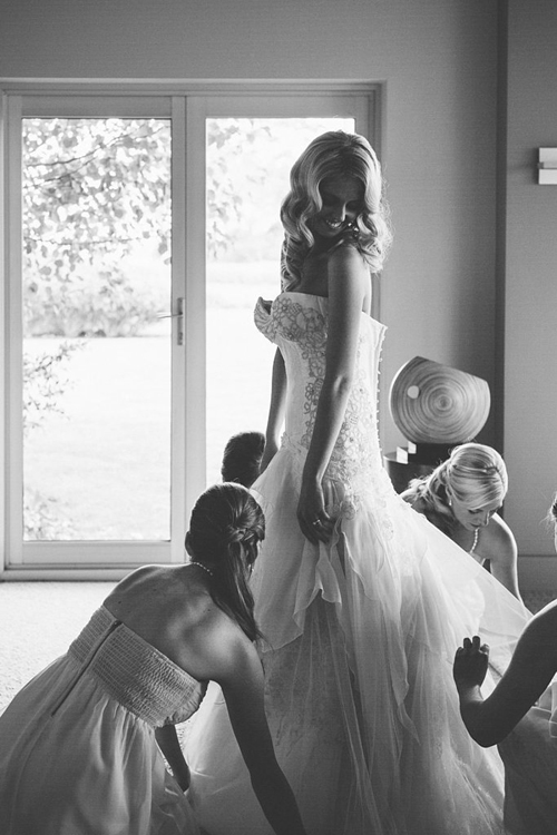 6-Being-Fussed-Over-Your-Bride-4367-4908