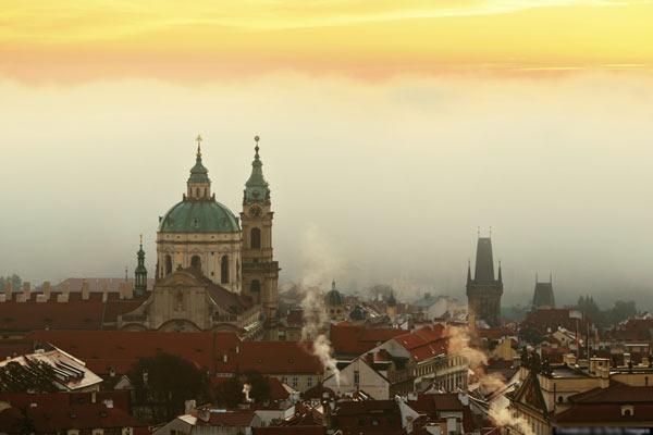 Thủ đô Praha của cộng hòa Czeh như một khung cảnh trong chuyện cổ tích.