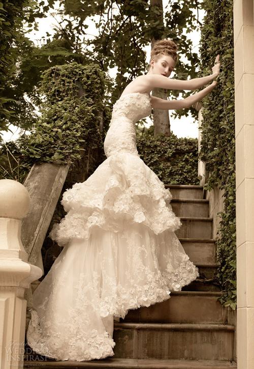 Bộ sưu tập váy cưới vượt thời gian