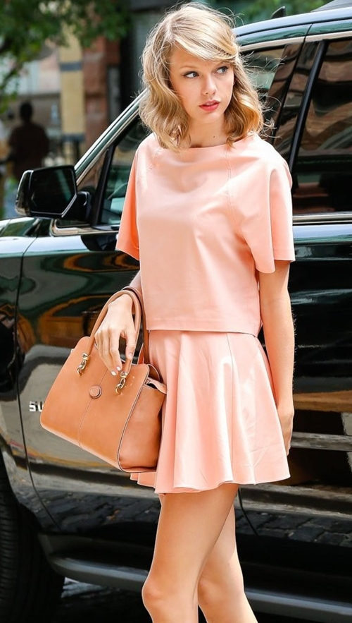 Taylor-Swift-Tote-Bags-Leather-2510-4403