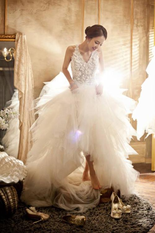 10 chiếc váy cưới Hàn Quốc tuyệt đẹp