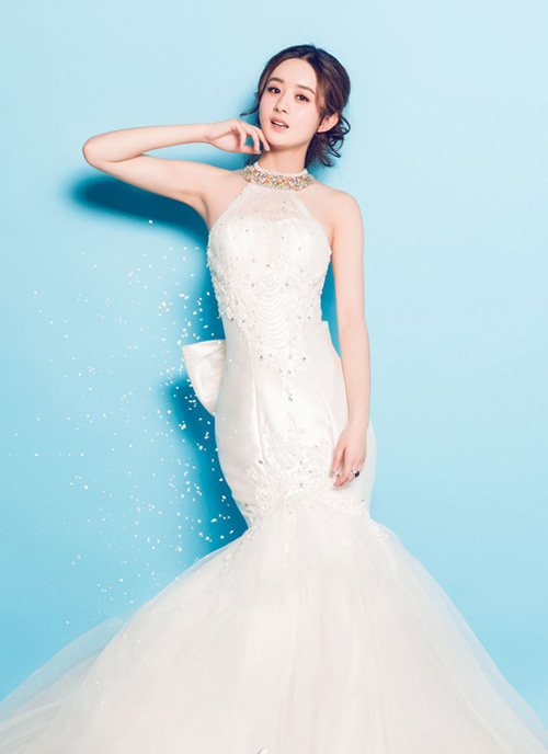 Cũng trong tạp chí áo cưới số mới, cô nàng Sam Sam