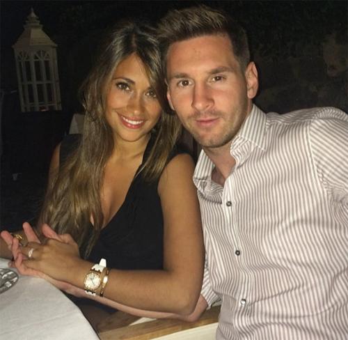 Messi không còn ngại ngần khi khoe ảnh lãng mạn bên Antonella.
