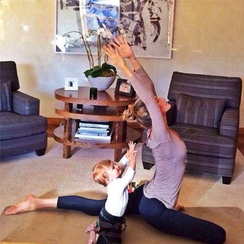 gisele-bundchen-yoga-instagram-7555-7788