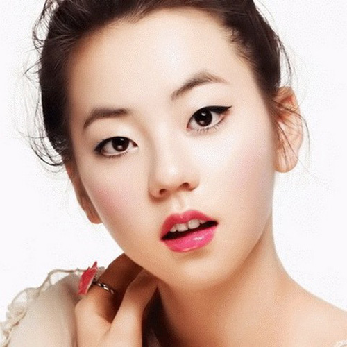 Korean-Eye-Makeup-For-Small-3913-1407402
