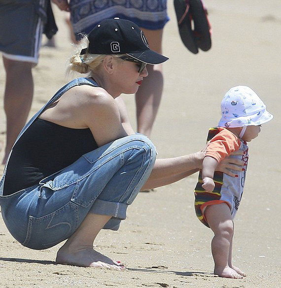 Apollo là con trai thứ ba của Gwen và nam ca sĩ Gavin Rossdale. Cặp đôi đã có hai con trai lớn 7 và 8 tuổi.