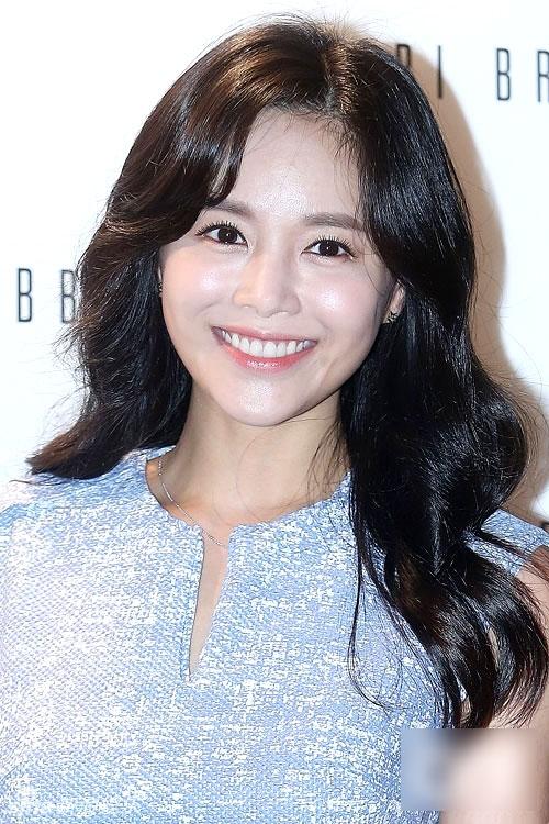 Park-Ji-Yoon-gi-i-thi-u-m-9094-140772976