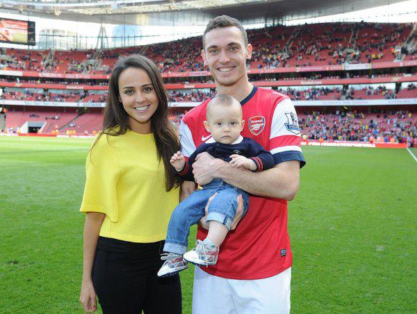 Ngôi sao mới nhất chuyển tới Barcelona là Thomas Vermaelen, thủ quân của Arsenal.