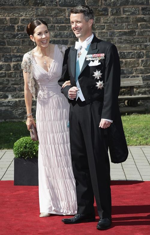 Mary-Frederik-wedding-June-2011.jpg
