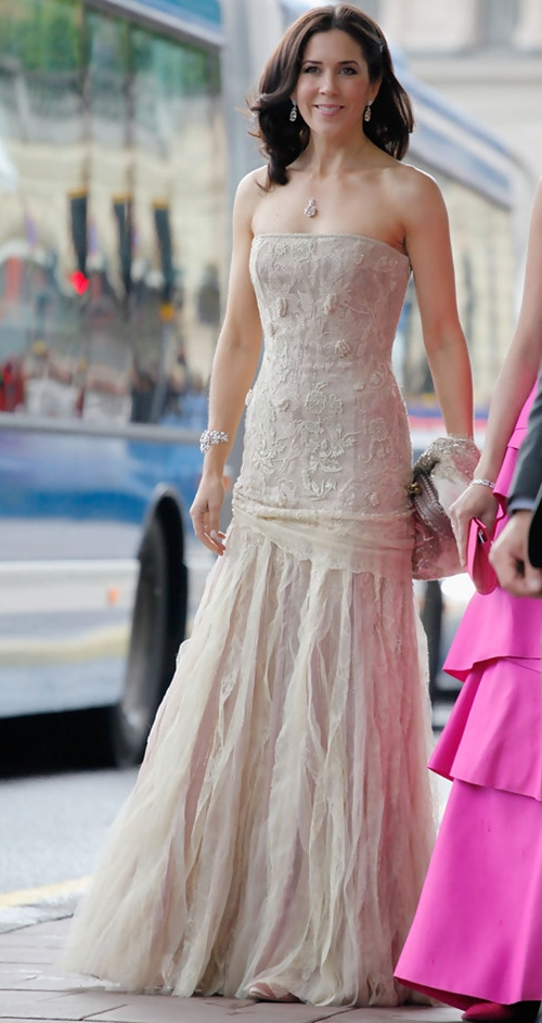 Princess-Mary-Crown-Princess-V-7105-2767