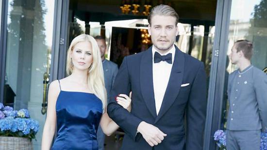 Nicklas Bendtner và Julie Zangeberg từng là cặp đôi trai tài gái sắc nổi tiếng ở Đan Mạch.