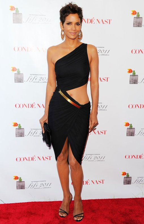 May 25, 2011At the FiFi Awards, the Celebrity Fragrance of the Year award winner showed off her toned tummy in a revealing black one-shoulder Halston dress and matching sandals in NYC.May 25, 2011At the FiFi Awards, the Celebrity Fragrance of the Year award winner showed off her toned tummy in a revealing black one-shoulder Halston dress and matching sandals in NYC.