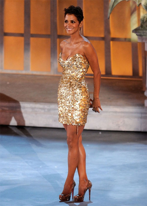 October 16, 2010Getting leggy with it! The short-haired stunner worked a teeny sparkling mini dress and matching Louboutin heels at the Spike TV's Scream Awards in L.A.