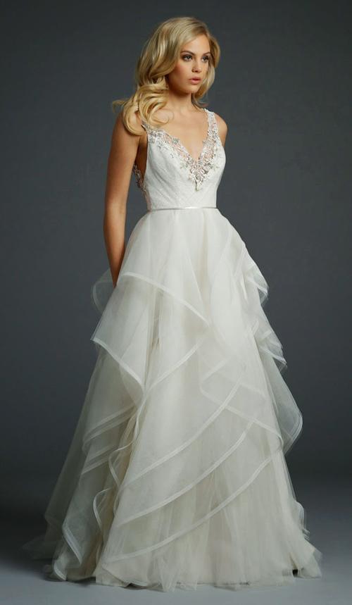 12 mẫu váy cưới đuôi xòe tuyệt đẹp